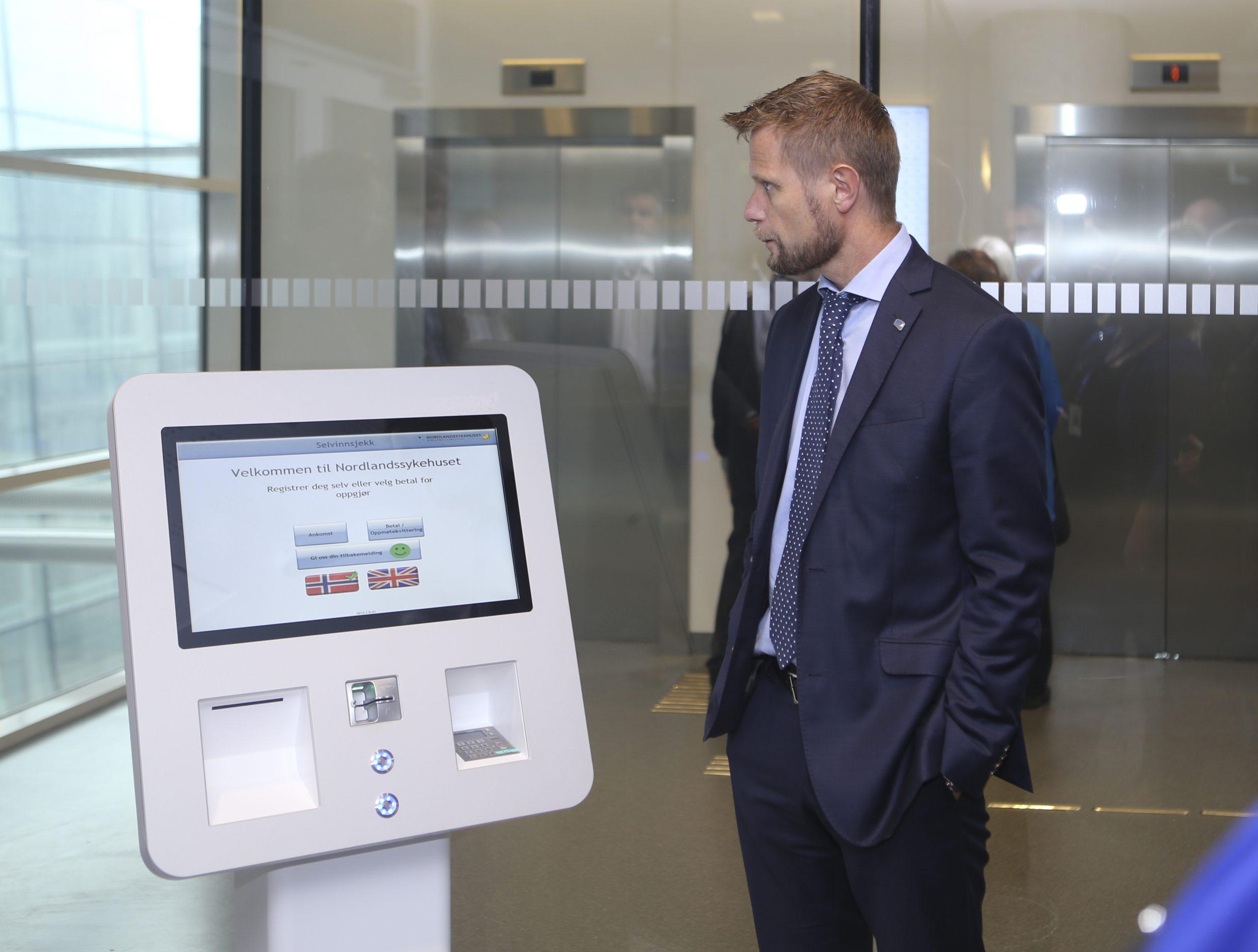 Procon Pasientkiosk - Helseminister Bent Høie